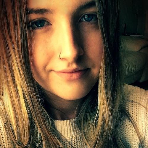AmyGunn's avatar