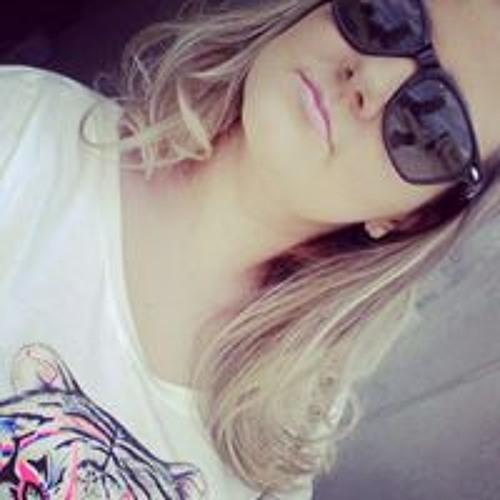 Carolina Dias Rodrigues's avatar