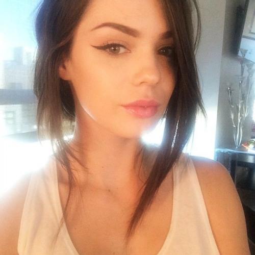 Eva j.'s avatar