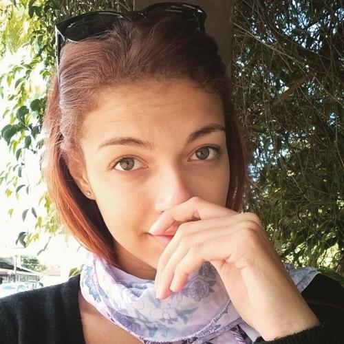 Melissa Fontoura's avatar