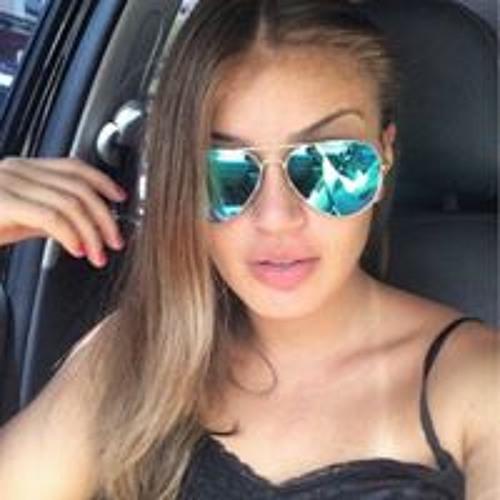 Beatriz Monise's avatar