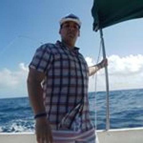 Roberto Alvarez's avatar