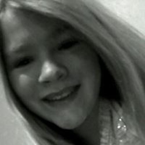 Haley Roberts's avatar