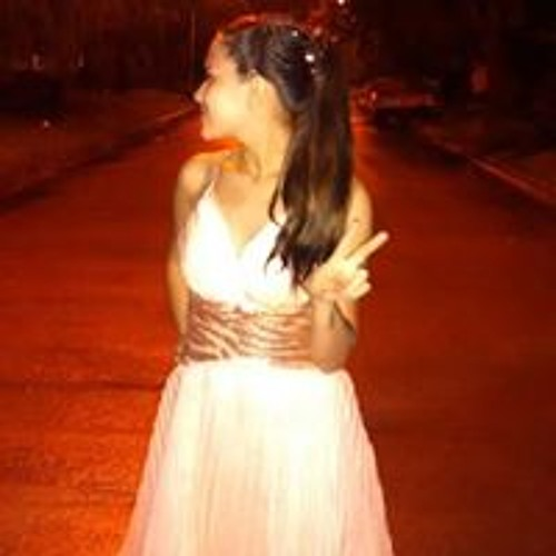 Camila Roldan's avatar