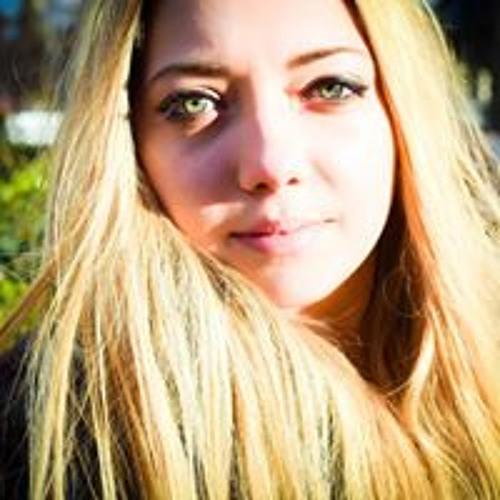Christelle  Tuculescu's avatar