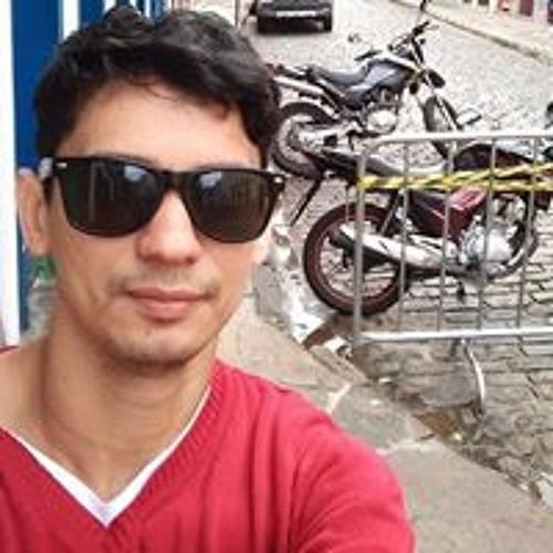 Douglas Medeiro's avatar
