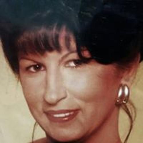 Stella Carvalhais's avatar