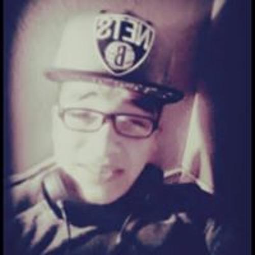 Rey Khalifa's avatar