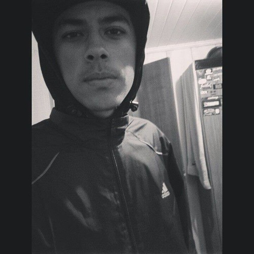 Matheus Martins ;)'s avatar