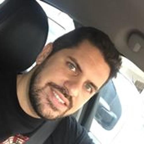 Gustavo Simões's avatar