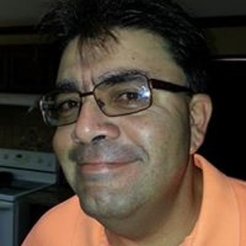 Adrian Ulloa's avatar