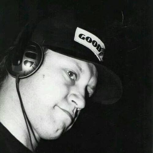 Oliver Cosimo's avatar