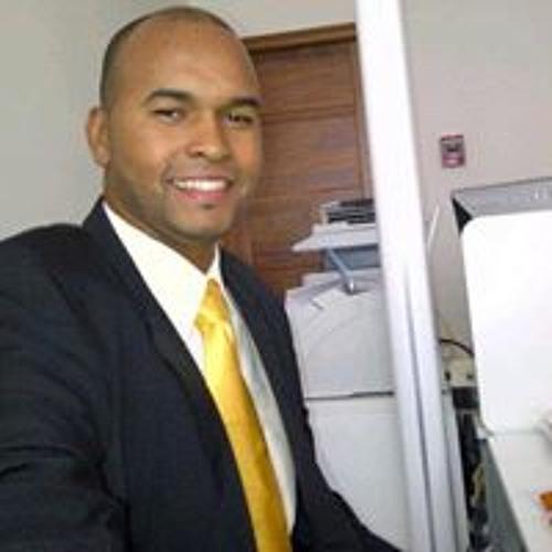 Raúl Alcántara's avatar