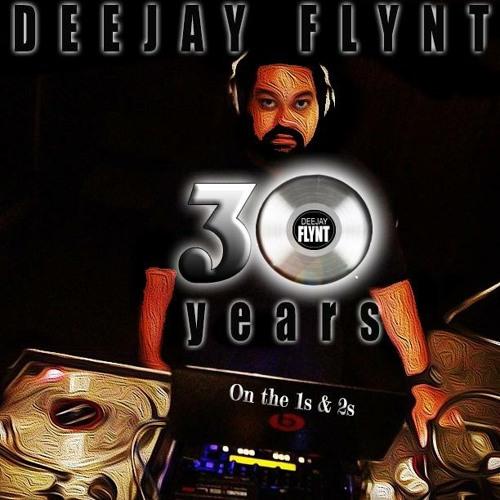 16. - DJ Flynt - Nas/Common - Blaze A 50/The Light Blend