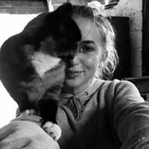 Lizzy Hewison Byrne's avatar