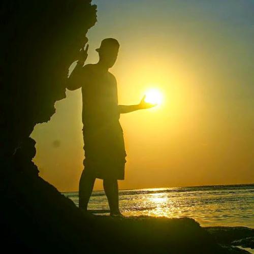 Renalvi Kharisma's avatar