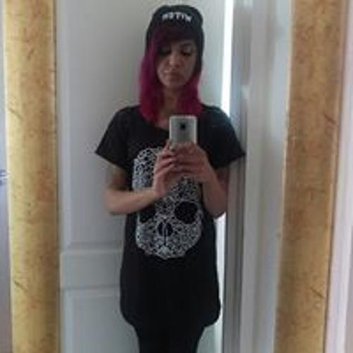 Naira Razzaq's avatar