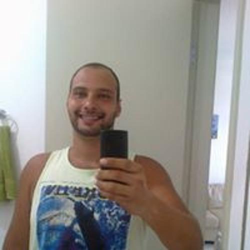 Guilherme Rodrigues's avatar