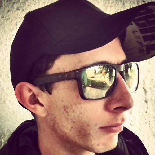 Alessandro Farias's avatar