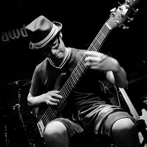 nussy 6-string bass solo's avatar
