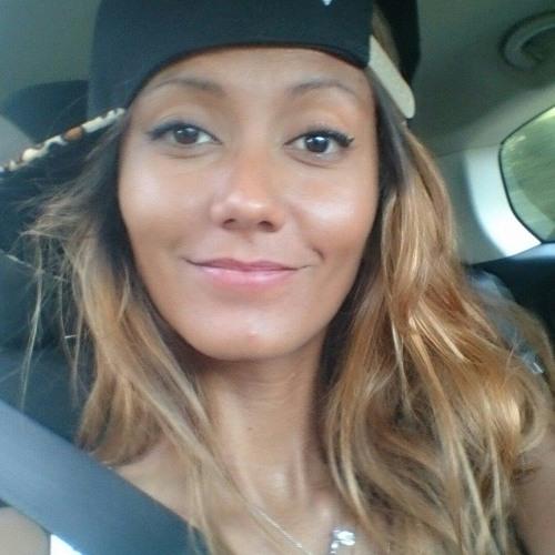 Mary Ange's avatar