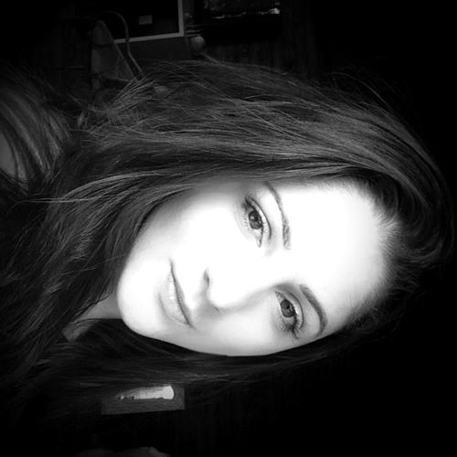 Giovanna Nascimento's avatar