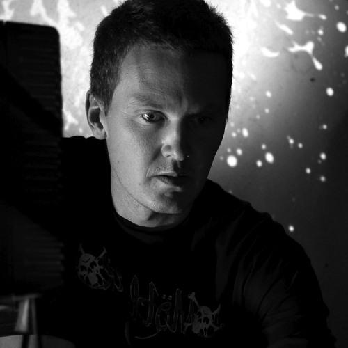 Tom Hall's avatar