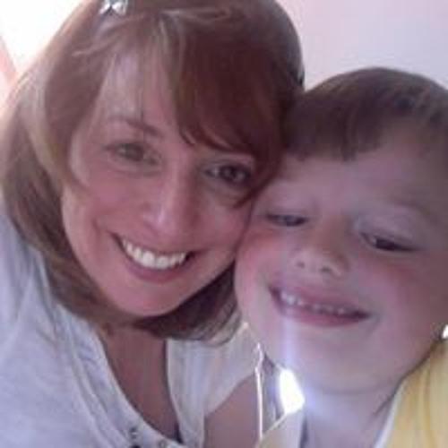 Melanie Hill's avatar