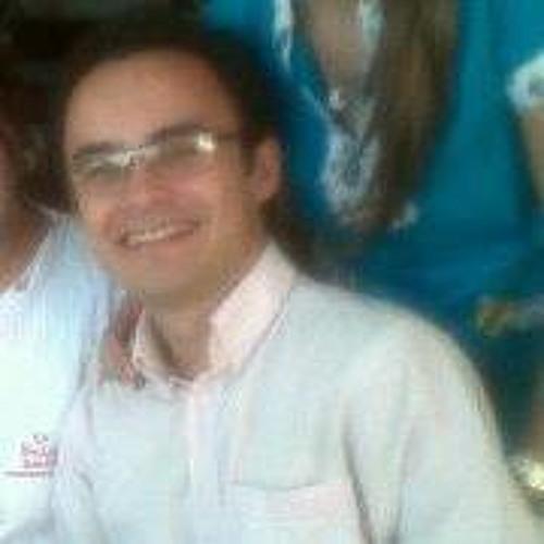 Charlie Alvarez's avatar