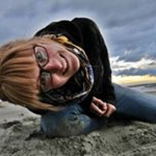 Andrea Enomis's avatar