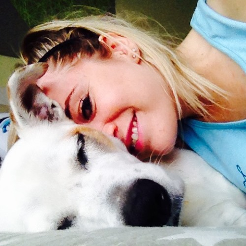 Alexandra Thompson's avatar