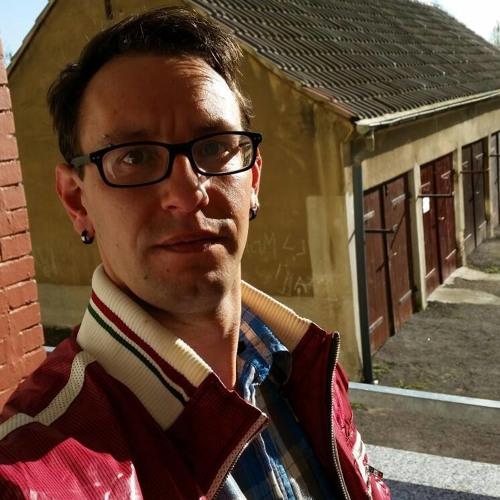 Erik Redlich's avatar