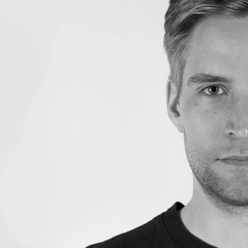 Chris Maquun's avatar