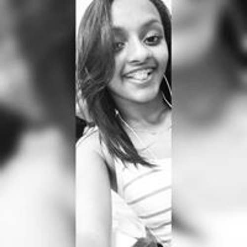 Anah Carolyna's avatar