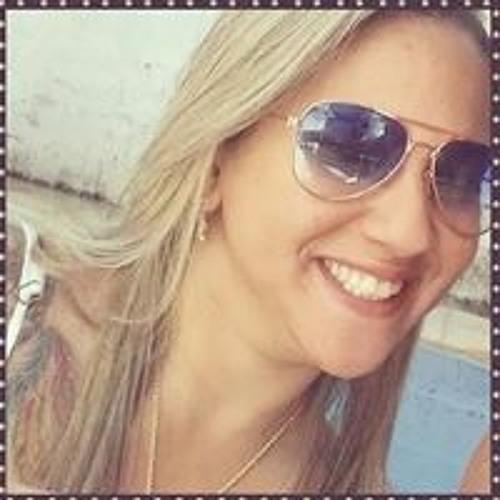 Claudia Basilio's avatar