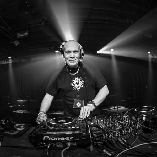 DJ Fonik's avatar