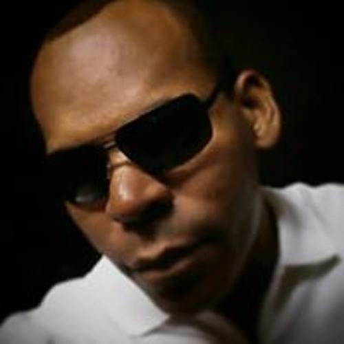 Charles Mendonça's avatar