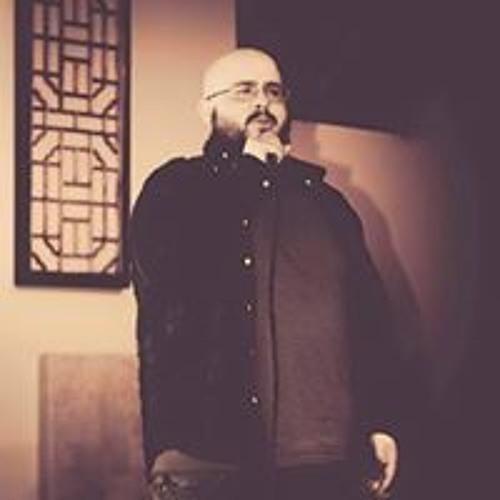 Alex Medeiros's avatar