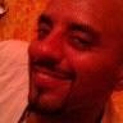 Hisham Bado's avatar