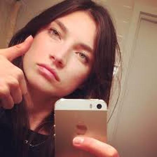 Mallory Cruise's avatar