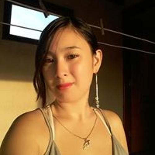 Aline Tomimura's avatar