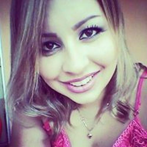 Flávia Marmoro's avatar