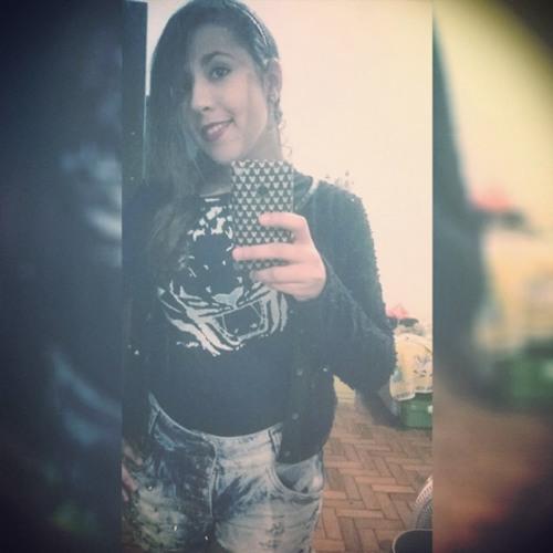 Julianne Oliveira 1's avatar