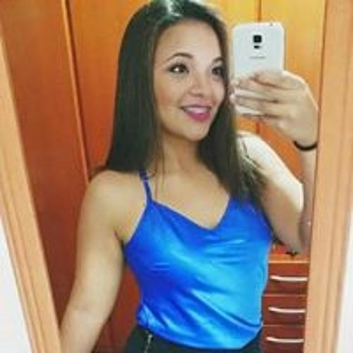 Julya Fernandes's avatar