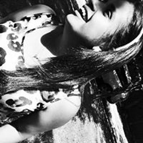 Tainara Machado's avatar