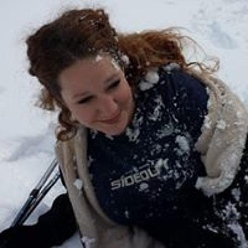 Suzanne White's avatar