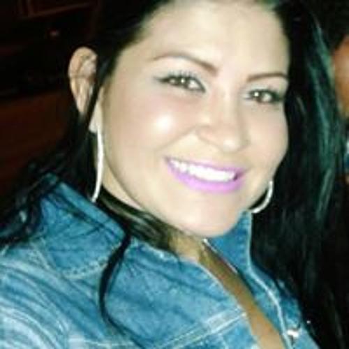 Aline Dias's avatar