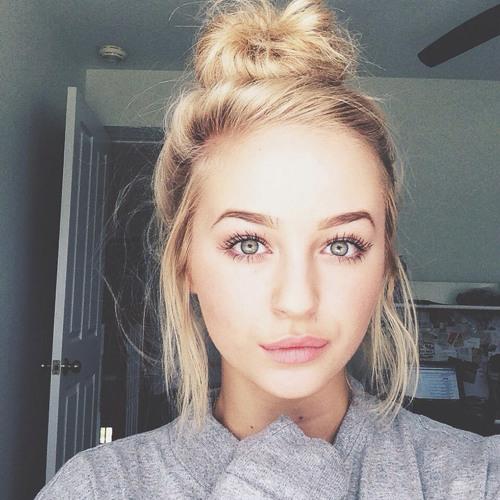 Carla Weshs's avatar