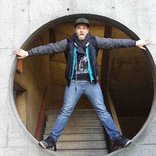 Ian Hertz ✪'s avatar