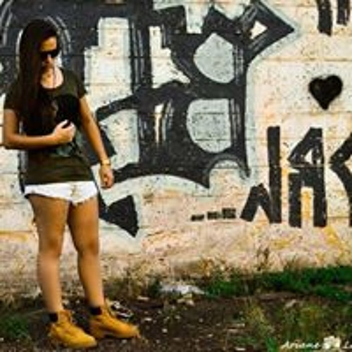 Fernanda Santos's avatar
